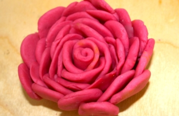 red rose ailefo organic modeling clay